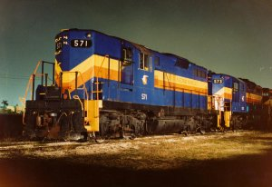 SGLR GP-9s and GP-10 Night-.jpg