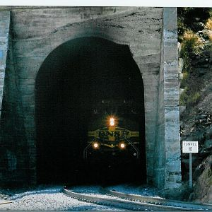 Tunnel 10