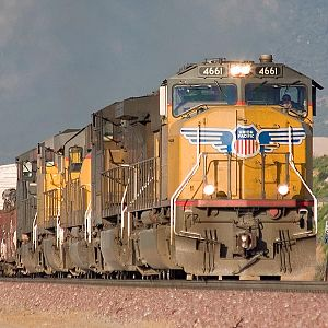 UP 4661 in Cajon Pass