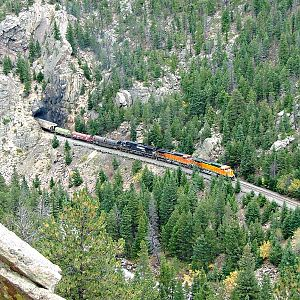 BNSF loads grind out of Tunnel 27