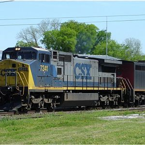 CSXT Rolling South Through Decatur