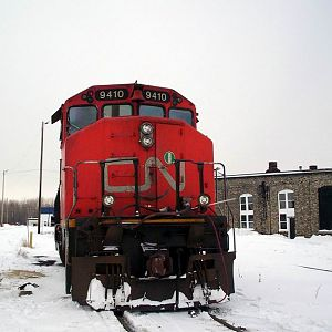 CN GP40 in the snow