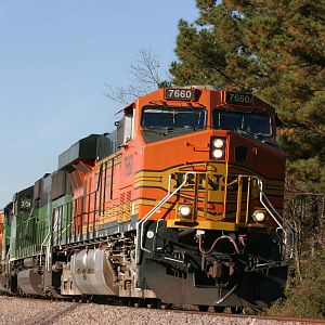 BNSF 7660 Southbound