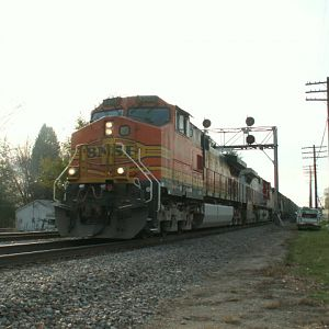 BNSF 5303 on a Stacker