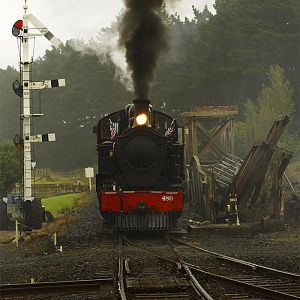 Ww 480 approaching Glenbrook Station