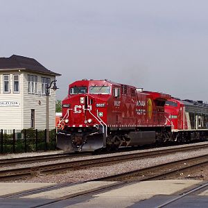 CP 9827 pulls up to Franklin Park for display