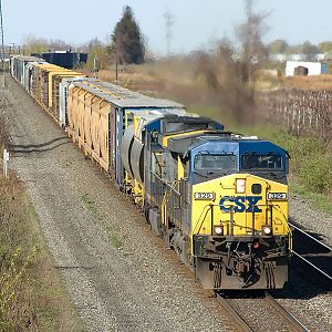 Eastbound CSX freight approaches CP70