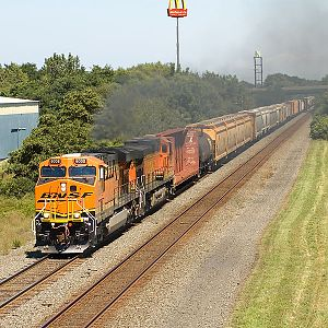 Westbound CSX Q371 with BNSF power