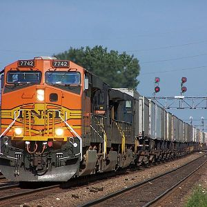 BNSF 7742 at Downers Grove