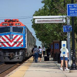 Metra 194 at Downers Grove
