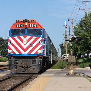 Metra 184 at Downers Grove