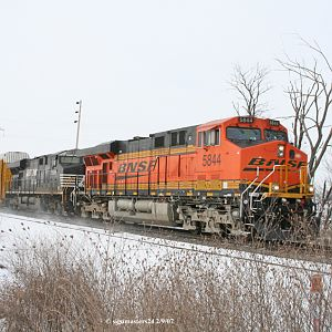 BNSF # 5844 Heads East out of Marcelus, MI
