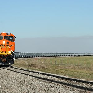 BNSF 6163 Coming around the corner
