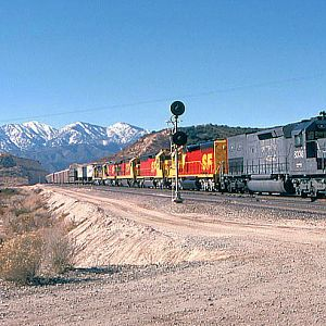 SP leads ATSF through Cajon Summit