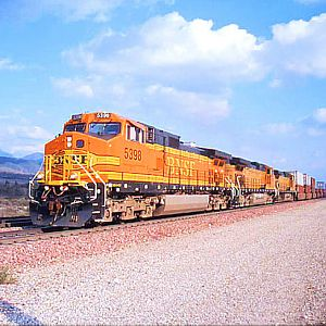 BNSF Eastbound stacks through Devore