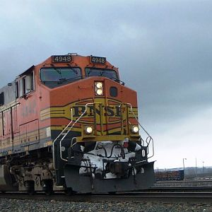 BNSF 4948 at Laurel