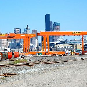 New BNSF gantry cranes