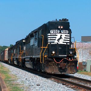 NS A41 Heads West In Alexander City, AL