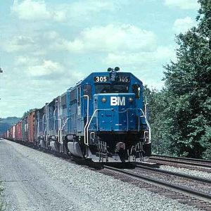 B&M 305 on Conrail Tracks