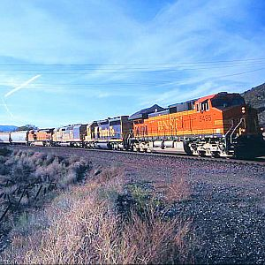 BNSF Through Cajon Station