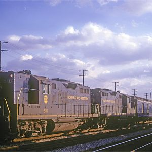 N&W GP-9 #510, Chicago, IL, Oct. 31, 1965, photo by Chuck Zeiler