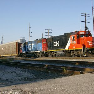 CN 5826/GTW 5858 s/b Walbridge, OH Sep 20 2007
