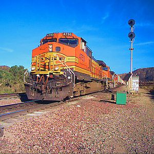 BNSF Heads By Cajon Crossovers