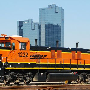 BNSF 1232 Moves Downtown
