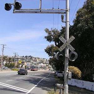 Old SP Crossing Signal at  northwest Bayshore Rail Yard Entrance