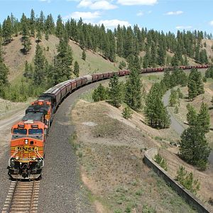 BNSF 7660 West at Marshall WA