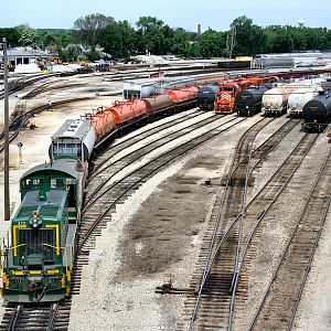 EJ&E 312 switching Joliet Yard