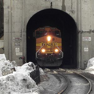 Cascade_tunnel_east_portal