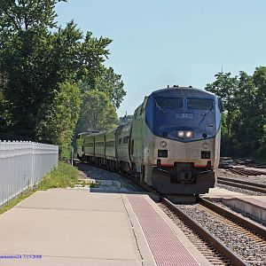 Amtrak's 365 Bluewater slow for it's stop in Niles