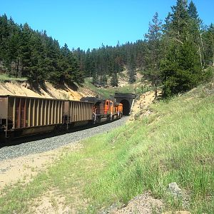 BNSF coal empties at Blossberg (2)