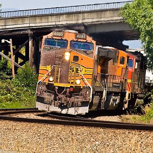 This BNSF Dash 9 has Plastic Surgery