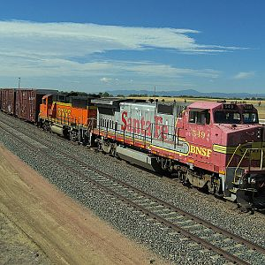 BNSF 549...Northbound