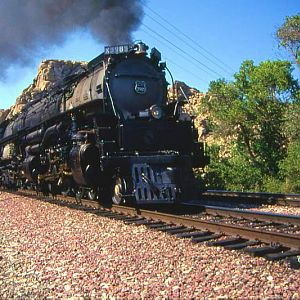UP #3985 Upper Narrows w/UPHS Steam Special