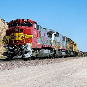 Santa Fe Warbonnet on Cajon Pass Part 2