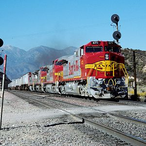 Santa Fe Warbonnet on Cajon Pass - Part 3