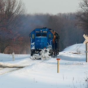 Marquette Rail locomotive move
