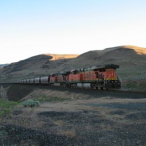 Westbound DPUs through the Gorge