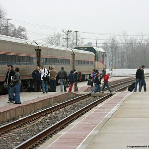 Amtrak 353 stops in Niles, MI with a Cascades as the lead unit