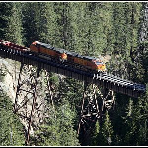 BNSF 4303 Leads A Baretable Across Nason Creek