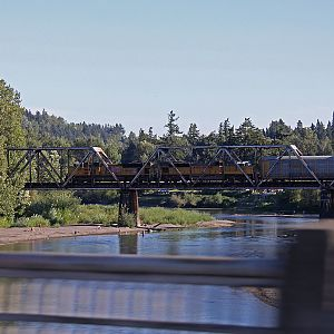 UP EMD Duo over the Sandy River Bridge