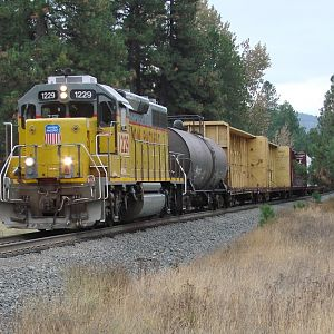 Union Pacific Local northbound thru Naples,Idaho