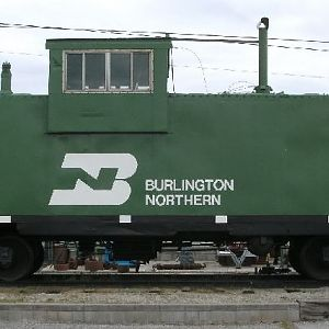 View 2 of BN Caboose 11680