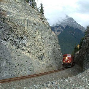 CP 9550 at Mile 16 Mountain Sub