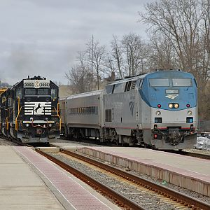 B05 and Amtrak 364