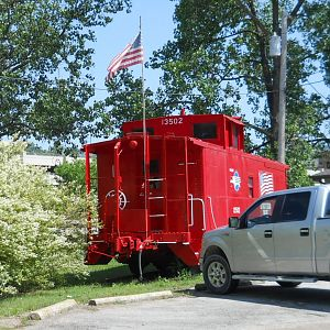End view of MoPac Caboose 13502