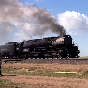 Union Pacific 3985 with white driver tires arrives at Speer, Wyoming - May 27, 1984
